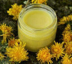 Ορεινή Μέλισσα: Σούπερ συνταγή για κηραλοιφή! Θεραπεύει τα πάντα απο εγκαύματα μέχρι δερματικές παθήσεις Η σωστή αναλογία για μια καλή κεραλοιφή είναι σε 1 μέρος κερί να βάλουμε 7 μέρη ελαιόλαδο. Δηλαδή για 50 γραμμάρια κερί χρειαζόμαστε 350 γραμμάρια λάδι. Όσον αφορά τα αιθέρια 20 σταγόνες αρκούν για 400 γραμμάρια κηραλοιφής.