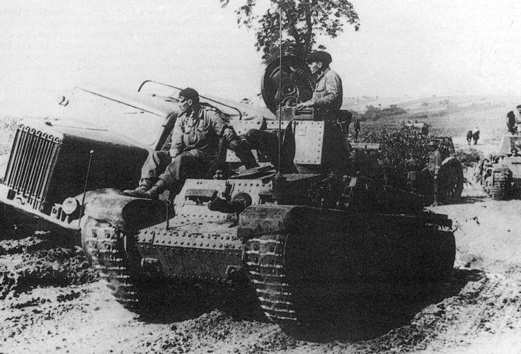 Romanian R2 (Czehoslovak LT-35) light tanks and Skoda H6ST6-T truck, WWII, pin by Paolo Marzioli