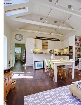 Wire track lighting Love this cottage!  Heart Home magazine issue 6 - track lighting intersecting beams