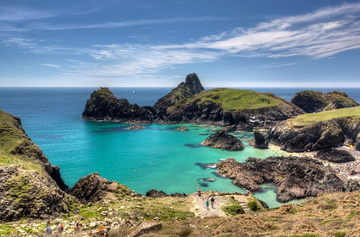 The Cornwall Guide - Cornwall Holiday information, accommodation, sections on towns, maps, photos, events, art, gardens, folklore and history. Cornwall cottage, hotels and B and B listings in our holiday accommodation section