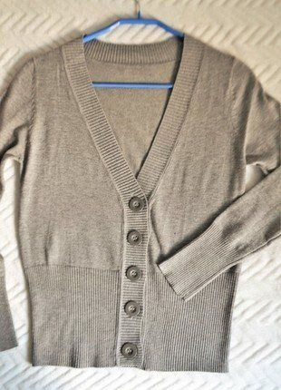 Kup mój przedmiot na #vintedpl http://www.vinted.pl/damska-odziez/swetry-z-dzianiny/15973791-szary-kaszmirowy-sweterek-3638