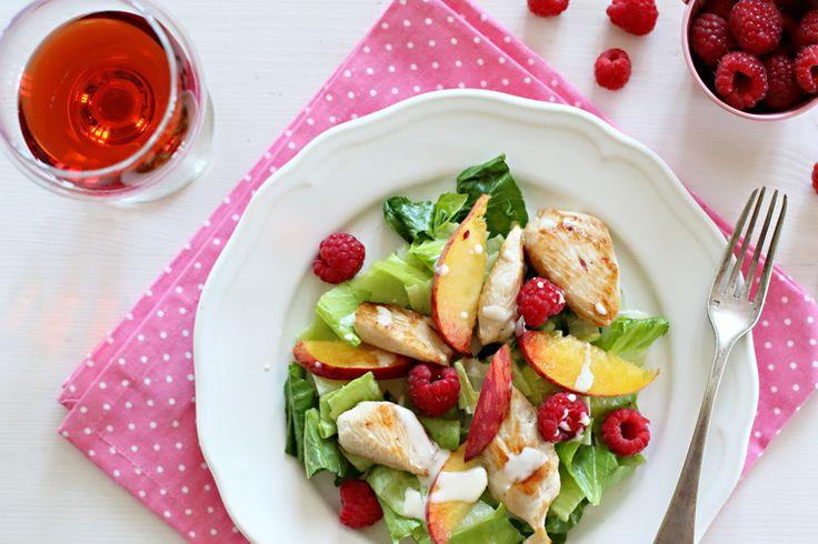 Gyümölcsös pulykás saláta