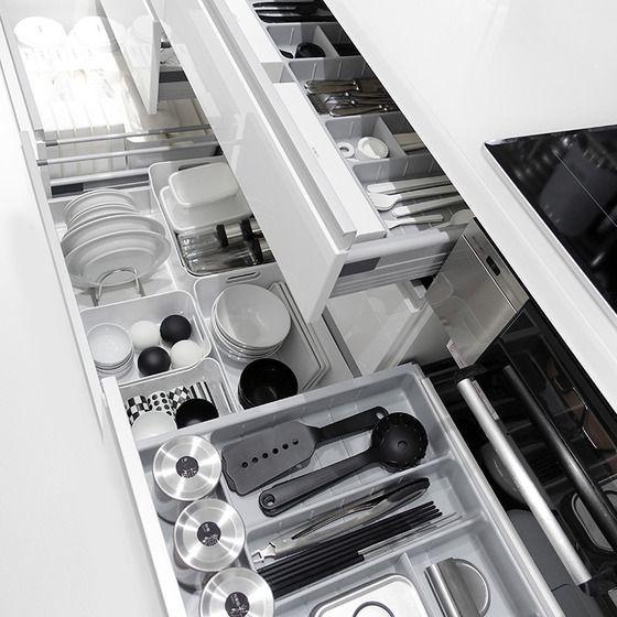 1,000 件以上の 「システムキッチン収納」のおしゃれアイデアまとめ ... シンク下の収納編【キッチンの引き出しの中、全て見せます3