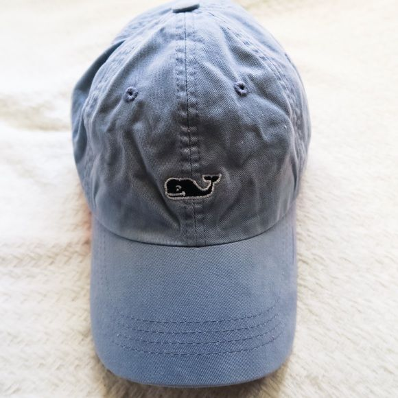 Vineyard Vines hat Great condition. One size. Can be worn by man or woman. No trades, make an offer with the offer button. Vineyard Vines Accessories Hats