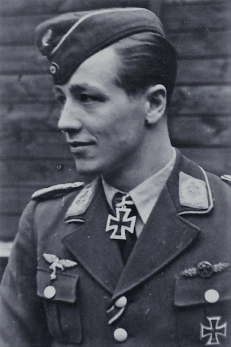 Hauptmann Martin Drewes (1918-2013), Kommandeur III./Nachtjagdgeschwader 1, Ritterkreuz 27.07.1944, Eichenlaub (839) 17.04.1945