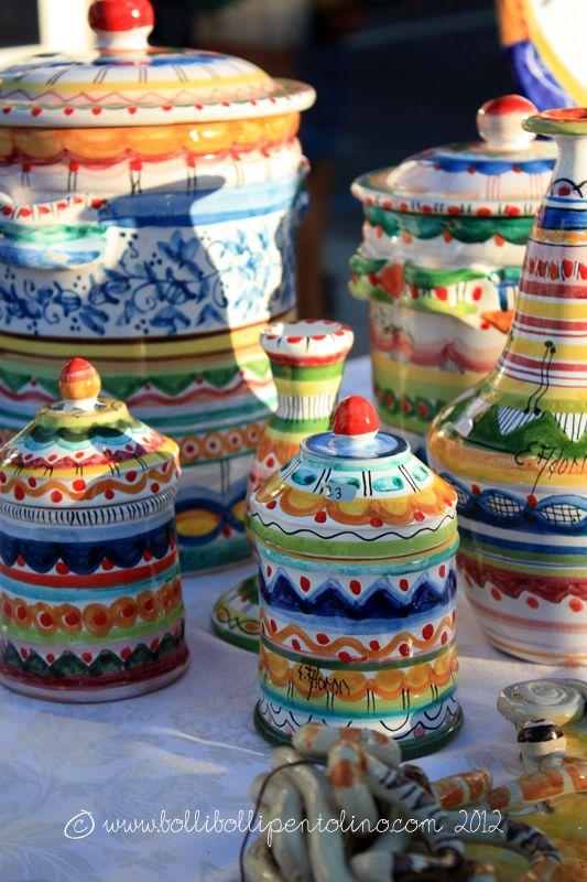 Bolli bolli pentolino: Spaghetti al pesto di mandorle e una gita a Patti per la giornata della ceramica