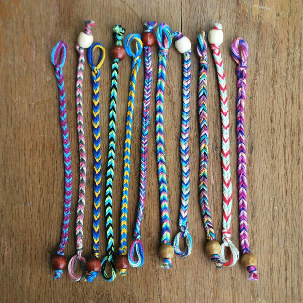 "The Skinny Chevron | 15 ""Summer Camp Style"" Friendship Bracelets You Can Make RightNow"