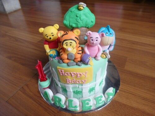 Pooh cake by Delines cake