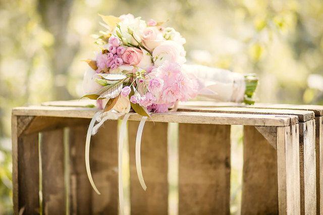 #bruidsboeket #inspiratie #idee #zomer #bruiloft #zon #warm #trouwen #huwelijk #trouwdag #huwelijksdag #wedding #summer #sun #inspiration #idea | Photography: Eppel Fotografie | ThePerfectWedding.nl