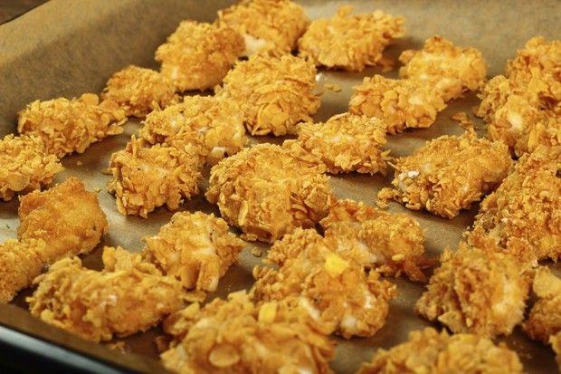 Opção de nuggets caseiros para as crianças: Receita da querida nutricionista Andrea Santa Rosa...
