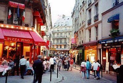 El  Barrio Latino de Paris es un sitio agradable para pasear, donde el hecho de no  hablar Francés no importa demasiado....