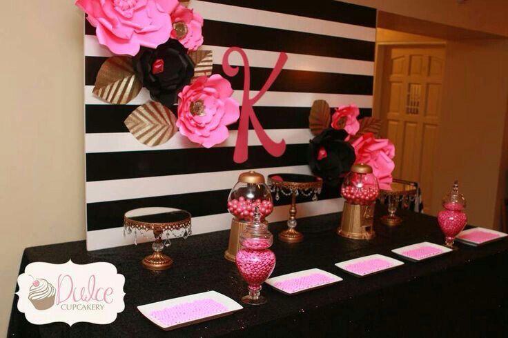 Blanco y negro con rosa