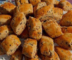 Baharatlı kurabiye tarifini görünce şaşıracaksınız ama gerçekten çok güzel ve sade bir tadı vardır. Tuzlu kurabiye sevenler için tarifimiz oldukça uygundur.