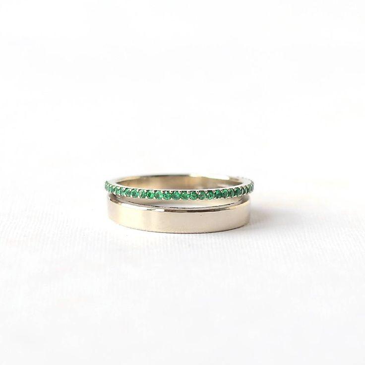 Колечко для красивых пальчиков  не обручальное. Просто чудесное кольцо с 33 изумрудами из белого…»