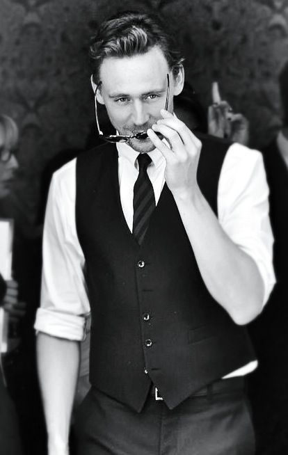 Ok, so I'm a little slow on the Hiddles bandwagon, but I think I'm starting to understand why the internet seems to have lost their brain over him.