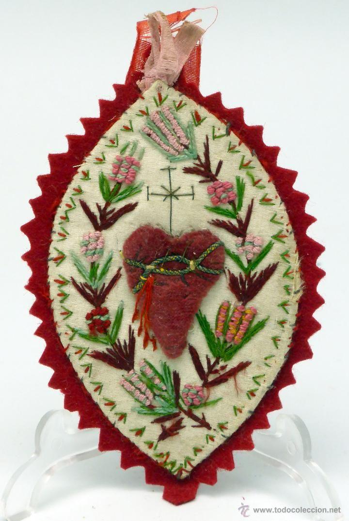 Detente Escapulario Sagrado Corazón tela bordada sobre seda fieltro S XIX - Foto 1