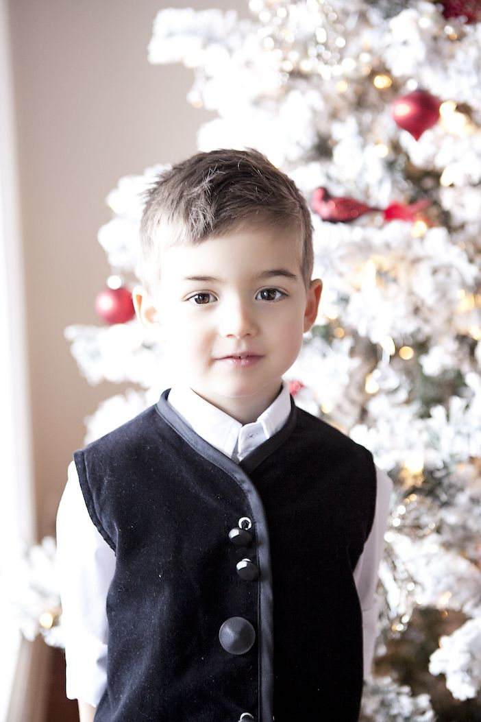 On Santa Jilly's 12 Days of Christmas ... $500 Gift Card to Redfish Kids Clothing!