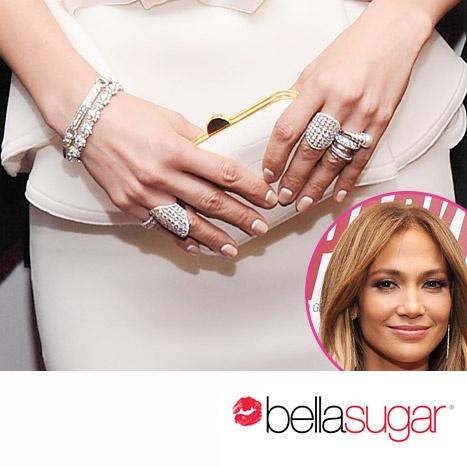 French Manicure... al contrario! Ecco il nail look che Jennifer Lopez ha sfoggiato sul Red Carpet.