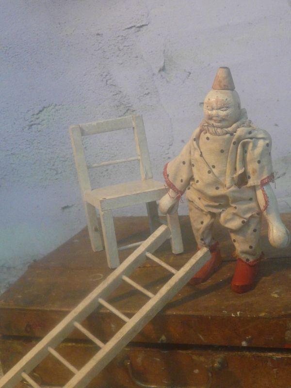 antieke schoenhut clown met ladder en stoel | verkochte artikelen/sold | De Merel Brocante webwinkel