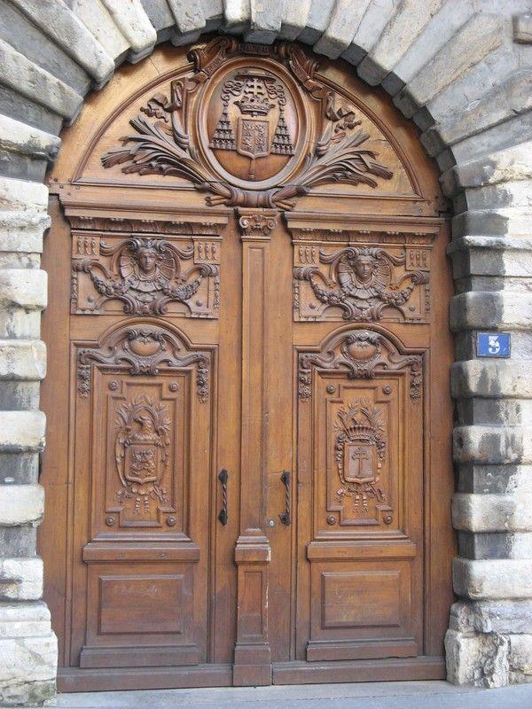 Porte ancienne lyon doors pinterest portes anciennes lyon et portes - Fermeture de porte ancienne ...