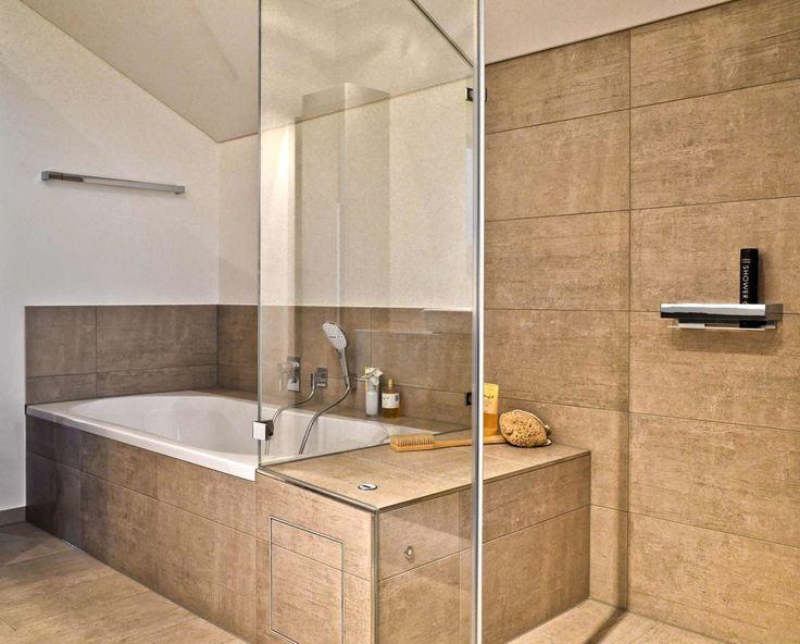die besten 25 badewanne gr e ideen auf pinterest gro e b der marmor tapete und gro e badewannen. Black Bedroom Furniture Sets. Home Design Ideas