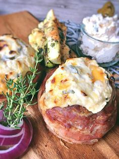 Low Carb grillen der Hackfleisch-Bacon-Vulkan mit Cheddar-Jalapeno Lava ein perfektes Rezept für die Grillsaison