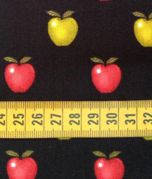 Tela de Patchwork Negra con Dibujos de Manzanas Rojas y Verdes. Ancho 110 cm Algodón 100%