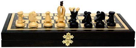 Arsstar Шахматы 'политические деятели россии' (польша, дерево, 35х18х5см)  — 1990 руб.  —  •Производство: Madon Польша Настольная игра, которая соединяет в себе 3 самых известных развлечения, теперь может стать вашей!Игра шахматы «Политические деятели», производства Польша, станет отличным подарком и всегда будет востребована. Выполнена данная игра из натурального дерева. На шахматном игровом поле изображены различные политические деятели,отсюда и особенное название игры.  В наборе вы…