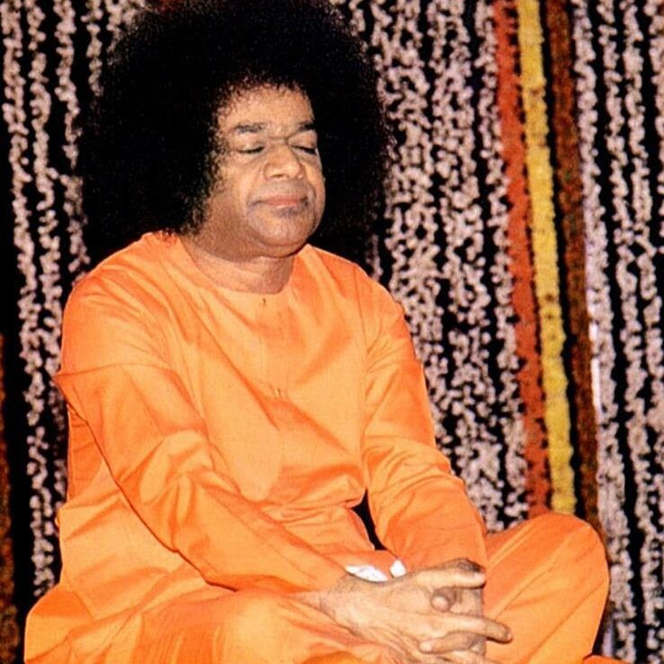 Soham Soham, You and I are one Divine Mother Soham, You and I are one  Shirdi Baba Soham, You and I are one  Jesus Christ Soham, You and I are one  Allah Allah Soham, You and I are one  Buddha Buddha Soham, You and I are one  Sathya Sai Soham, You and I are one
