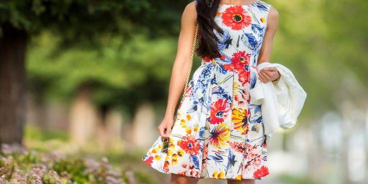 Rochii cu Flori – Modele Superbe Care iti Fac cu Ochiul