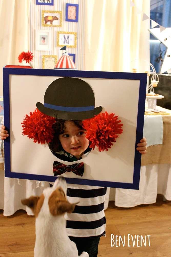 Marcos divertidos para fotos de fiesta con tema de circo.
