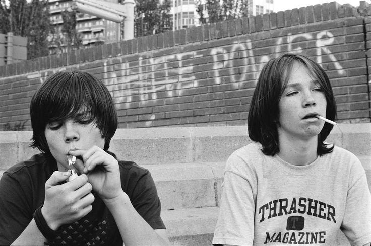 Bájosan vagány: cigiző tinédzserek by NewHorizon