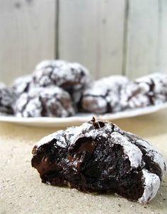Εάν νόμιζες μέχρι σήμερα ότι τα ζεστά λαχταριστά μπισκότα σοκολάτας μπορείς να τα αγοράσεις μόνο από κάποιο ζαχαροπλαστείο για να τα απολαύσεις τότε κάνεις