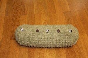 Crochet Pattern Neck Pillow : Pin by Paula Gorham Fealko on Crochet: Pillows Pinterest