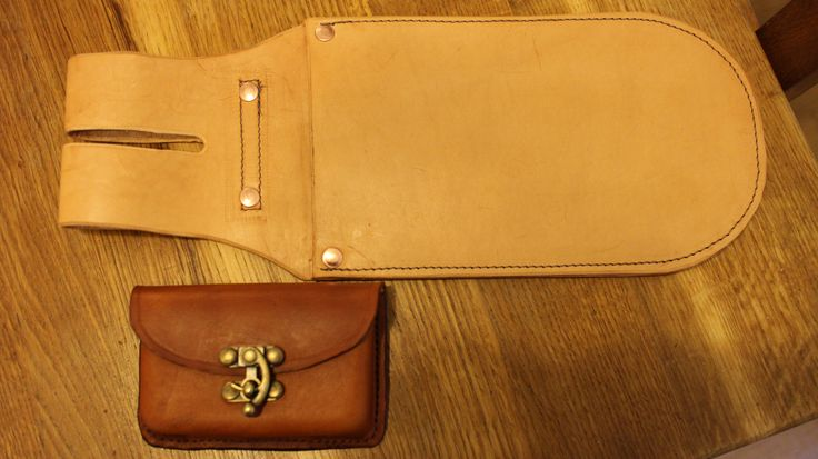 Hedge layers bill hook holster, alongside a possibles pouch