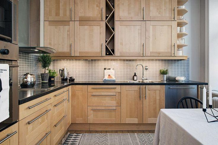 скандинавская кухня с фасадами из массива дерева