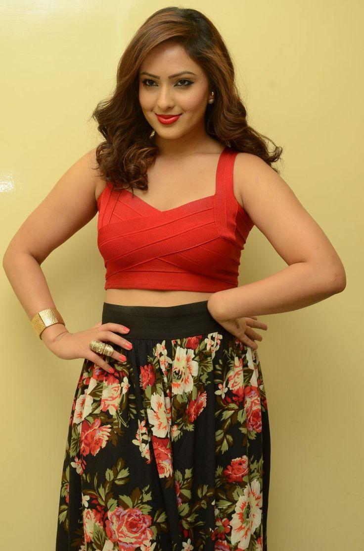 cool Nikesha Patel at Araku Road Lo movie press meet event