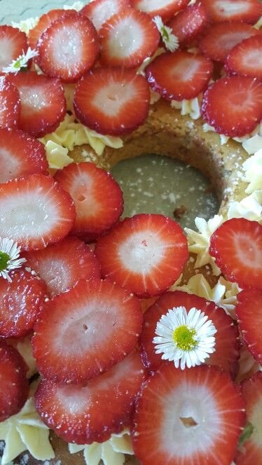 Clementine almond cake with mascarpone & strawberries