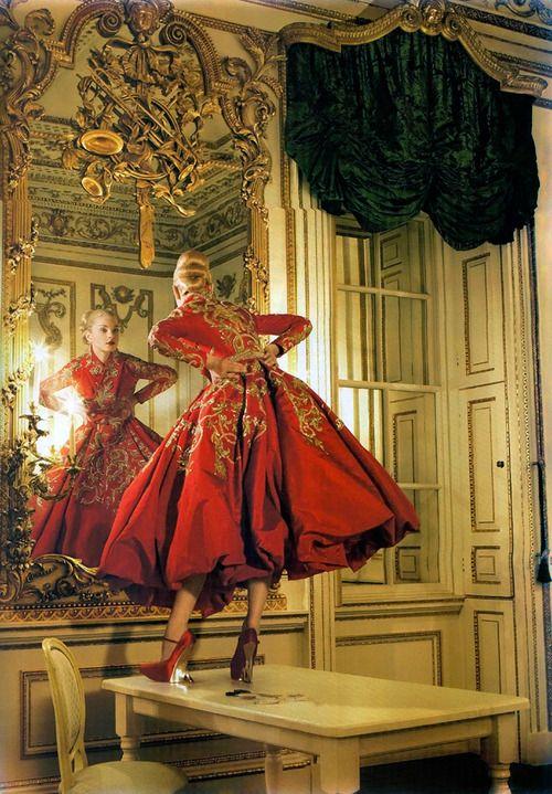 mademoisellearielle:  Jessica Stam in Christian Dior Haute...