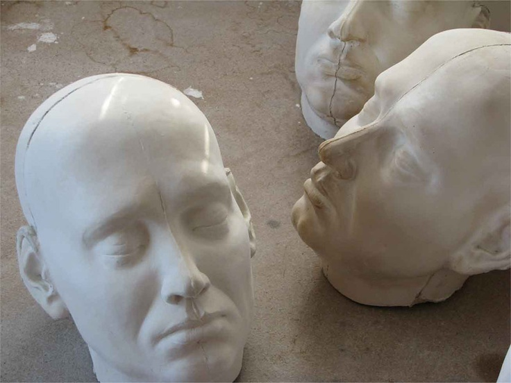Anna Klimešová, Thoughtlessly, 2010, 25x19 cm, grog clay #clay #sculpture #thoughtlessly