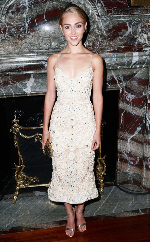 AnnaSophia Robb from Stars at New York Fashion Week Spring 2016  The 21-year-old is the picture of sophistication in this embellished Marchesa mini.