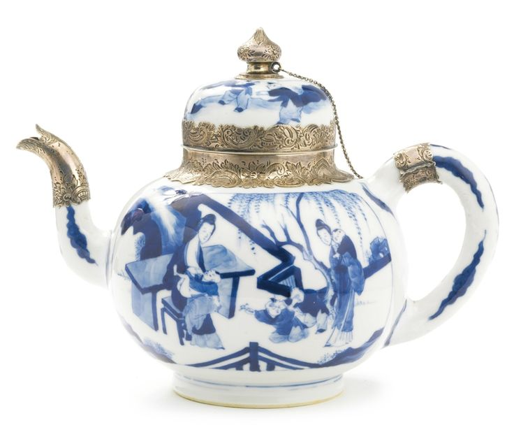 A large Chinese Export porcelain blue and white Dutch silver-mounted teapot and cover porcelain, Kangxi