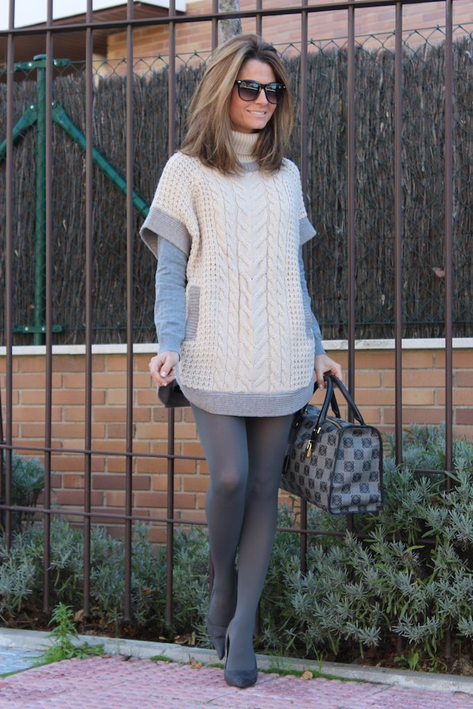 Fashion and Style Blog / Blog de Moda . Post: Happy saturday / Feliz sábado .More pictures on/ Más fotos en : http://www.ohmylooks.com/?p=20321 .Llevo/I wear: Jersey : Sfera (New Collection) ; Shorts : Zara (old) ; Sunglasses : Mango ; Bag : Loewe