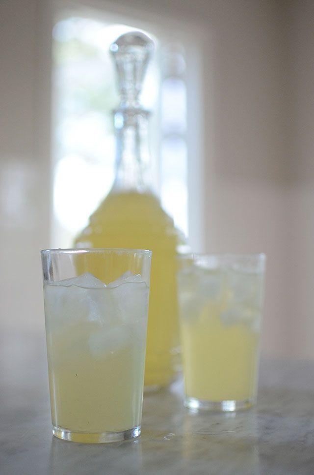 Göra egen citronsaft/lemonad   Hemma med Helena   Amelia bloggar