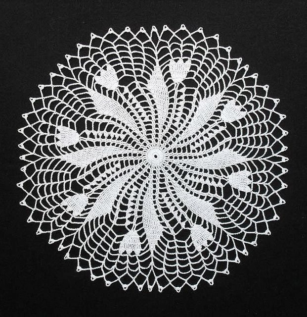 Tulip and Leaf Doily | Flickr – Compartilhamento de fotos!