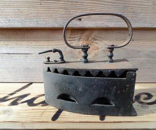 oud strijkijzer