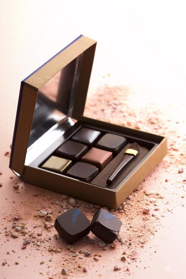 Jean Paul Hevin's creative and edible Make-Up Coffret