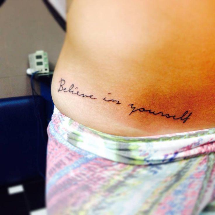 """""""Believe in yourself """"... Treino do dia ... Obrigada amiga @larilunin que como sempre me incentiva a perder o medo ... Valeu #tattoo #escrita #Aprendiz #ciadatattoo"""
