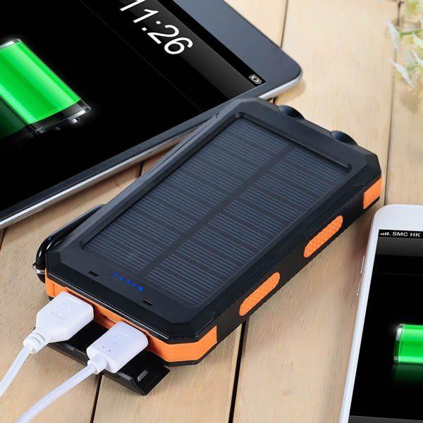 Зарядка телефона от солнечной энергии. Незаменимая вещь при походе на природу, в поход, на рыбалку.