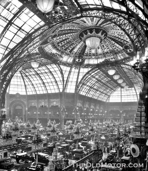 The Salon de l'auto was held, in the incredible Grand Palais